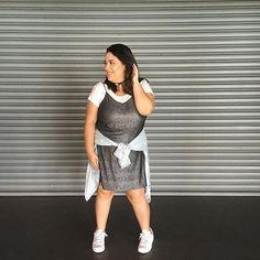 """Look cheio de brilho pro dia? Pode sim! É só """"diminuir o volume"""" com peças mais street! Gostaram?  #lookdadaphne #lookdodia #ootd #outfitoftheday #moda #fashion #blogueirademoda #fashionblogger #blogdemoda #fashionblog  #fashionstyle #fashionista #streetstyle #styles #fashionblog #styleblogger #fashionlove #blogger #blogueira #style #estilo #streetstyle #highlow #rsbloggers  #lifeasdaphne"""