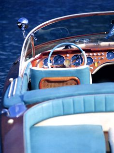 There's just something sexy about a vintage speed boat.