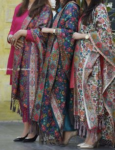 clothes i love Indian Fashion Dresses, Pakistani Dresses Casual, Dress Indian Style, Pakistani Dress Design, Indian Outfits, Pakistani Bridal, Bridal Lehenga, Indian Bridal, Fashion Outfits