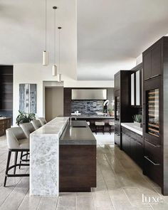 Exceptional modern kitchen room are readily available on our website. Kitchen Room Design, Luxury Kitchen Design, Home Decor Kitchen, Interior Design Kitchen, Home Kitchens, Kitchen Dining, Kitchen Ideas, Modern Kitchen Island, Design Kitchen Island