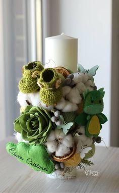 Diy Flowers, Flower Diy, Floral Arrangements, Decoupage, Baptism Ideas, Candles, Table Decorations, Christmas Ornaments, Holiday Decor