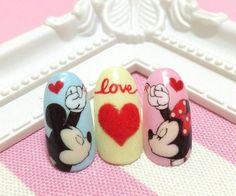 Disney Gel Nails, Disney Inspired Nails, Mickey Mouse Nails, Valentine Nail Art, Easter Nail Art, New Nail Art Design, Nail Art Designs, Mickey Mouse Nail Design, Disney Nail Designs