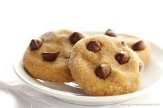 4-Ingredient Peanut Butter Chocolate Chip Cookies | gimmesomeoven.com