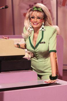 Dolly Parton Pics, Dolly Patron, Dolly Parton Kenny Rogers, Blonde Jokes, Ageless Beauty, Female Stars, Sexy Older Women, Hello Dolly, Celebs