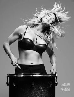 Ellie Goulding she is so talented and beautiful...