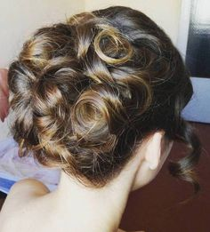 How to select perfect hairstyle to prom?
