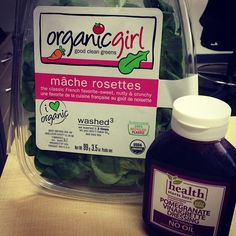Whole Food Recipes, Vegan Recipes, Vinaigrette Dressing, Green Cleaning, Rosettes, Vegan Food, Yummy Food, Lunch, Kitchens