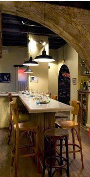 Bar el Pla, Barcelona. Para mí, sin lugar a dudas es donde se pueden comer las mejores tapas de la ciudad. Cosy Cafe, Chula, Terraces, Places To Eat, Restaurant Bar, Decorating Tips, Holidays, Drink, Lifestyle