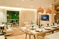Foto do apartamento com living ampliado. Um decorado de 92m² de puro luxo.