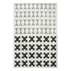 The large Paris rug from Brita Sweden is a soft plastic rug made in Sweden with a trendy graphic pattern. The rug is made according to old Swedish weaving traditions and the soft material is made to last for a very long time. Place the rug in the kitchen or living room and match it together with other popular products from Brita Sweden! Choose from different colors.