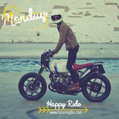 boxer's lovers... happy ride! www.boxeraglia.com #boxerbmw #motorcycle #boxeraglia