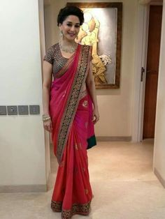 Madhuri can give jitters to the latest fashion divas! Saree being a favorite garment. Lets us look at Some Images Of Madhuri Dixit in Sarees. Chiffon Saree, Saree Dress, Red Saree, Black Saree, Sari Blouse, Georgette Sarees, Bridal Lehenga, Lehenga Choli, Anarkali