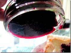 Blueberry jam without pectin or white sugar! This is such an awesome recipe that I will use over and over again! It is a nice small batch, not pectin and it sets up just like traditional jam, WONDERFUL!!!