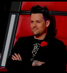 His smile is so cute and adorable ❤ Joel Madden, Good Charlotte, Loving U, Singers, Crushes, Fandom, Smile, Actors, Guys