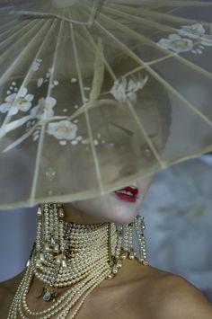 spinningbirdkick:    Christian Dior Haute Couture Spring/Summer 2007.