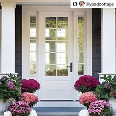 Fall decorating at its best, @lilypadcottage! Thanks for sharing your #ThermaView! #thermatru #repost #entrydoor #ihavethisthingwithdoors #doorsofdistinction