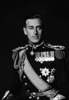 Louis Mountbatten, Earl Mountbatten of Burma, son of Prince Louis of Battenberg and his wife Princess Victoria of Hesse and by Rhine, daughter of Queen Victoria's daughter Princess Alice Princesa Victoria, Reine Victoria, Familia Windsor, Lady Diana, Louis Mountbatten, Admiral Of The Fleet, Prinz William, Prince Philip, Queen Victoria