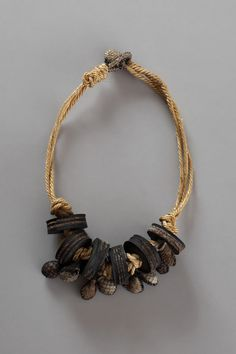 Artist : Hildur Yr    I like the recycle/reuse aspect of this. However, I would like to make some clay beads similar to this.