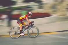 There are many different reasons someone can develop hearing loss. One of the most common and challenging types is sensorineural hearing loss. Medio Ironman, Bruges, Road Cycling, Easy Weight Loss, Challenges, Stock Photos, Exercises, Birmingham, Rem Sleep