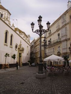 Plaza de San Francisco, Cadiz, Spain. Love the plazas.