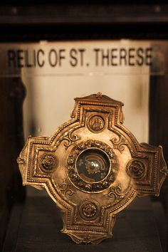 "St. Therese of Lisieux - ""The little flower"" - Relic"