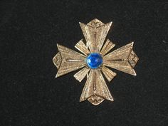 VTG Hattie Carnegie Heraldic Maltese Cross Brooch Gilt Metal Blue Glass Stone #HattieCarnegie