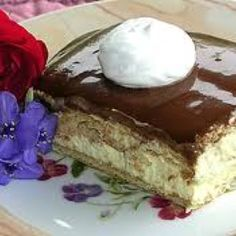 Eclair Cake With Chocolate Ganache by Shelly Firebaugh Eclair Cake Recipes, Dessert Recipes, Chocolate Eclair Cake, Chocolate Ganache, Just Desserts, Delicious Desserts, Yummy Food, Yummy Treats, Recipes