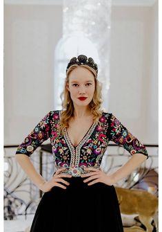 Short Sleeve Dresses, Dresses With Sleeves, Swarovski, Blouse, Folk, Inspiration, Beauty, Women, Fashion
