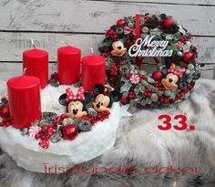 Christmas Advent Wreath, Xmas Tree, Winter Christmas, Christmas Crafts, Merry Christmas, Christmas Decorations, Advent Box, Wreath Boxes, Mickey Mouse Christmas
