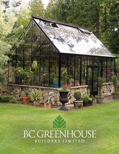 How to make the small greenhouse? There are some tempting seven basic steps to make the small greenhouse to beautify your garden. Diy Greenhouse Plans, Backyard Greenhouse, Small Greenhouse, Greenhouse Wedding, Homemade Greenhouse, Greenhouse Tomatoes, Greenhouse Academy, Window Greenhouse, Portable Greenhouse