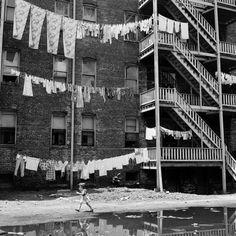 calumet412:  Untitled, 1954, Chicago. Fritz Goro