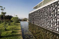 Galeria da Arquitetura | Casa HCO - O painel foi desenhado pelo escritório Gálvez & Márton Arquitetura