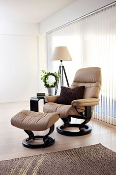 Stressless | Sunrise Recliner #shopthetinroof http://www.thehanleycollection.com/Stressless%20by%20Ekornes.inc