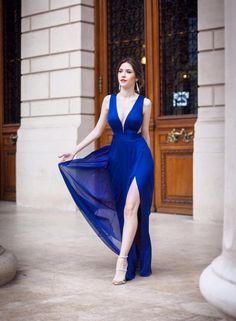 CRISTALLINI #EveninglDress #BlueDress #Silk #WomensFashion #Style #Inspiration #Fashion #Glamour #Elegance #StyleInspiration Blue Dresses, Formal Dresses, Fashion Glamour, Special Occasion, Evening Dresses, Fashion Dresses, The Incredibles, Style Inspiration, Elegant