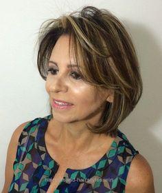 2018 Haircuts for Older women Over 50 – New Trend Hair Ideas - Frisuren Club Medium Haircuts With Bangs, Medium Hair Cuts, Medium Hair Styles, Curly Hair Styles, Short Haircuts, Haircut Medium, Modern Haircuts, Modern Hairstyles, Cool Hairstyles
