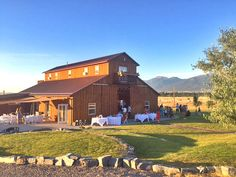Rugged Horizon Summer Outdoor Wedding in Montana