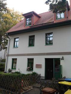 Alte Schule Eutritzsch (19. Jahrhundert) in der Gräfestraße.  Heute genutzt als Mehrfamilienhaus.