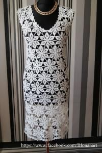 Biała sukienka mini, robiona ręcznie szydełkiem, rozmiar S/M