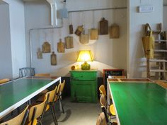 ce petit cabinet en vert, juste splendide !