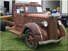 Fuvarozó vállalkozót keresünk! - Antik bútor, egyedi natúr fa és loft designbútor, kerti fa termékek, akácfa oszlop, akác rönk, deszka, palló, wabi sabi rusztikus lakások Diy Vintage, Antique Cars, Art Deco, Retro, Antiques, Truck, Willow Fence, Rustic Fence, Firewood