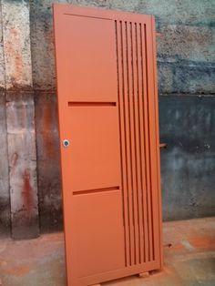 Blog voltado para a troca de experiência a todos que estão na fase de construção de sua casa. Steel Gate Design, Door Gate Design, Sliding Door Design, Wooden Door Design, Sliding Glass Door, Front Wall Design, Window Grill Design, Steel Security Doors, Wrought Iron Doors