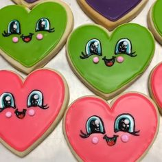 Cute Valentine's Day Heart💚💜❤ Cookies with Tinker Dust®. Valentines Day Cookies, Valentines Day Hearts, Birthday Cookies, Christmas Cookies, Flower Cookies, Heart Cookies, Iced Cookies, Royal Icing Cookies, Cookie Bouquet
