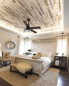 Cool 66 Farmhouse Style Master Bedroom Decorating Ideas https://roomadness.com/2017/10/29/66-farmhouse-style-master-bedroom-decorating-ideas/