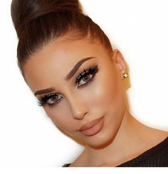 Amazing makeup and updo hairstyle | Inspiring Ladies