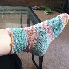 Shell Socks - Free crochet sock pattern
