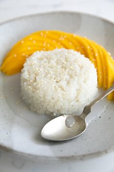Mango Sticky Rice is the most beloved of all Thai desserts. Made with steamed glutinous sweet rice, sweetened coconut cream, and fresh seasonal mango, learn how easy it is to make khao niaow ma muang from home with this easy to follow recipe. Coconut Sticky Rice, Sweet Sticky Rice, Mango Sticky Rice, Coconut Sauce, Coconut Cream, Coconut Milk, Taiwanese Sticky Rice Recipe, Sticky Rice Recipes, Japanese Sticky Rice