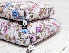Floral Fanny - IMANII The perfect combination of design, function and comfort in dog accessories.
