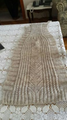Yelekler Hand Knitting, Knitting Patterns, Crochet Patterns, Crochet Vest Pattern, Free Pattern, Moda Emo, Unisex, Crochet Clothes, Free Crochet