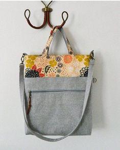 A beautiful brand new bag pattern by @sotakhandmade the Megan Foldover Tote! You can find this pattern in Svetlana's Etsy shop link in her profile. ------------------------------------------------------- #megantote #sotakpatterns #fleetandflourishfabrics #ArtGalleryFabrics by maureencracknell
