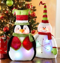 We can't imagine brighter greeters for your holiday party than the Pier 1 LED Penguin and Snowman Christmas Ornaments To Make, Felt Christmas, Christmas Projects, Christmas Stockings, Christmas Holidays, Christmas Decorations, Xmas, Celebrating Christmas, Christmas Ideas